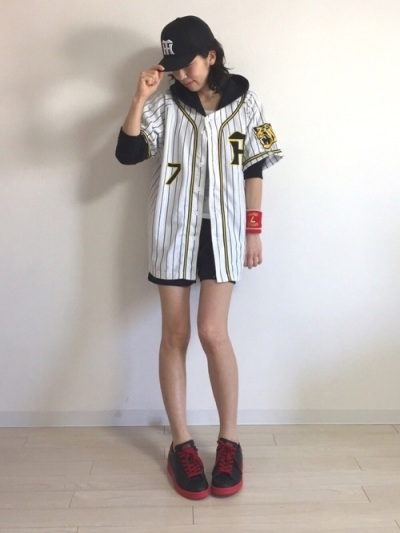 野球観戦・応援Tシャツと長めスカートコーデ